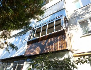 Ремонт балкона и его расширение по плите и подоконнику - вік.